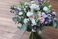 White and navy bridal bouquet for M by Florals Actually