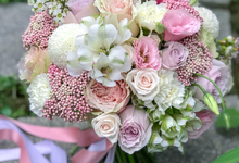 Pink and white for a pre-wedding shoot  by Florals Actually