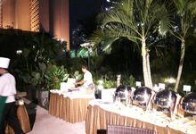 Dinner Outside Catering by MERCANTILE PENTHOUSE WEDDING
