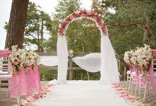 Wedding ceremony on beach, Dinner in castle by Wedding Agency