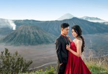 Prewedding of Arum & Wahyu | Bromo by Alovia Photography