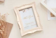 Resin Photo Frame - William & Griselda by Red Ribbon Gift