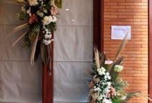 Flower Decoration - Pengajian Menjelang Pernikahan Raras dan Fajar by Poerist Flower Works