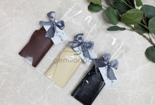 Our new b key holder Andreas & Giovanna by Gemilang Craft