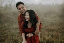 Dea And Adit Couple Session by Sadajiwa Immagine