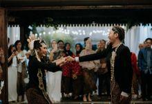 Indi And Dana Wedding Day by Sadajiwa Immagine