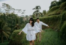 Shelly And Teguh Couple Session by Sadajiwa Immagine