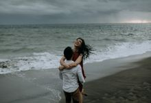 Livya And Irvan couple session by Sadajiwa Immagine