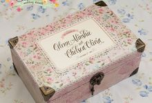 Wedding gift box for Glenn & Chelsea by Signature Wedding Details