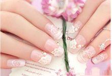 nail art- 24 pcs kuku palsu dengan warna putih dengan hiasan bunga dan mutiara putih by Triwindu shop