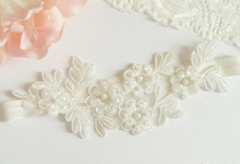Hair pieces and garters by Bridal Trinkets