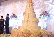 HANGING CAKE COLLECTION by RR CAKES