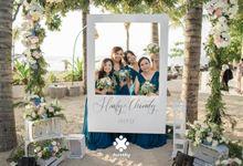 Harfy Chindy Wedding | Beach Wedding in Night Sky by Ducosky