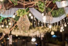 Harfy Chindy Wedding | Beach Wedding in Night Sky by Ducosky