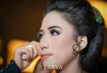 Adat Sunda & Jawa dalam pernikahan Rara - Tommy by Harry and Friends Organizer