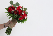 Hand Bouquets Vol. 02 by Hatiku Florist