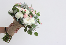 Hand Bouquets Vol. 02 by Hatiku Florist