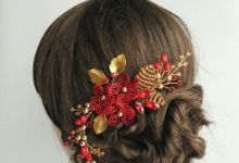 Pearl & Crystal Haircomb by Yoanamarrie   Headpiece & More
