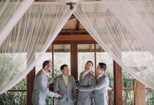 tropical concept wedding bali by Maxtu Photography