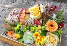 Greeny Yellow by House of Raline Wedding Hampers