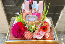 Peachy Magenta by House of Raline Wedding Hampers