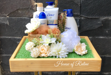 White feat Cream Rustic by House of Raline Wedding Hampers
