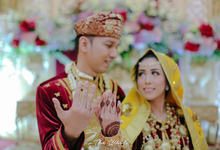 Devi & Herry Wedding Day Graha Mandiri by HR Team Wedding Group
