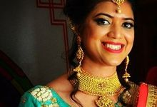 Bridal Make-up by Makeovers By Kamakshi Soni