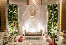 Tringular Garden of Love by Joelle Decoration