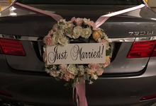 Bridal car decor by ilmare Wedding