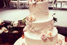 3 layers wedding cakes by LeNovelle Cake