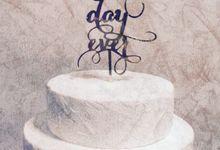 Elegant Acrylic Cake Topper by KCottageStudio