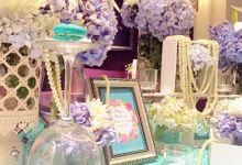 Elegant tiffany blue by Valexis Table Design