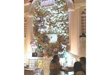 Exhibition booth for Kyria House of Bride and Aries Pangestu Photography by Dream Decor