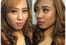 Professional makeup class by Maycy Makeupartis