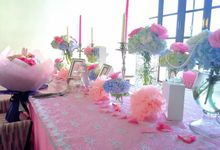 The soft pink white romantic dinner by Valexis Table Design