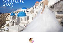 Love in Santorini by Oceanlove Studio