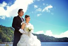 Bridal shoot on tamblingan lake by AdithyaPerabawa Photograph