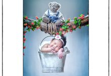 Maternity and baby photo by Vizio Photography