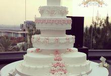 Wedding Cake by Veolicious Cakes