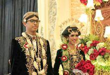 Akad Nikah dan Resepsi Vania dan Hanim by Tyas Decoration