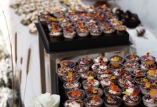 Petra Sihombing + Firrina Dessert Table - Holy Mat by Ame Cakery