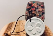 Hanging Flower Diffuser by Lively SG Breeze