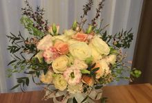 Little Thing Called Flower by Yu Flower Design