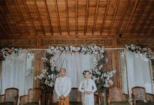 Rahmania & Vicki Wedding Decoration by Nona Manis Creative Planner