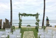 Rustic Wedding Ceremony At The Royal Purnama by Becik Florist