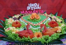 Tumpeng Tampah by TiMM Catering