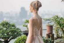 wedding dress by Vivi Valencia