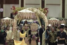 Wedding with minang decoration by Kanaya Wedding Planner