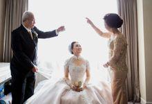 Dhahir & Siska by Orange Wedding Planner